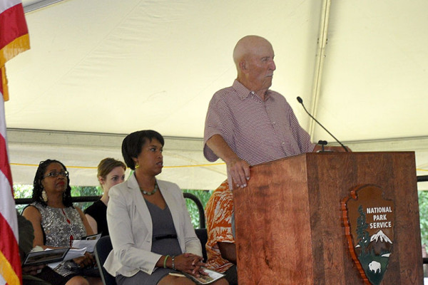 Ed Bearss speaks while Mayor Muriel Bowser listens.