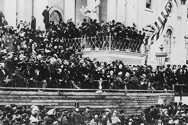President Lincoln delivers his second inaugural address in front of the US Capitol in 1865, Library of Congress